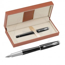 Pióro wieczne Parker Urban Premium Ebony Metal w brązowym pudełku [1931613/11]Pióro wieczne Parker Urban Premium Ebony Metal...