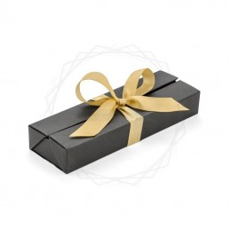 Pudełko prezentowe srebrne ze złotą wstążką [19614-24]Pudełko prezentowe srebrne ze złotą wstążką...