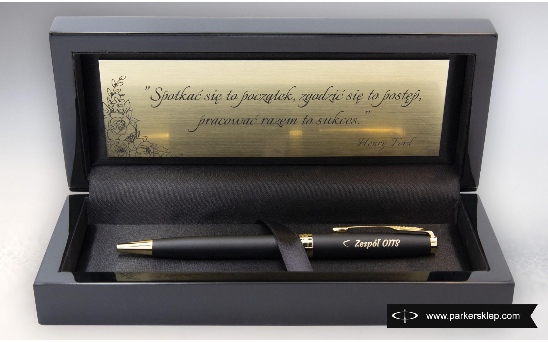 Długopis Parker Sonnet Czarny Matowy GT [1931519] w pudełku ze złotą tabliczką